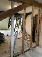Meditationsraum: Teppichboden Und Wand Zum Archiv Sind Entfernt